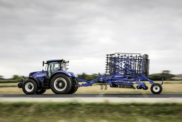 New Holland Traktor T7 Long Wheel Base